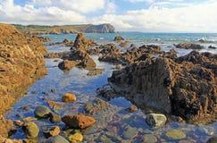 Stenig kust på Atlanticet Ocean, Frankrike Arkivfoton