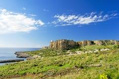 Stenig kust på Sicilien Italien Arkivfoto