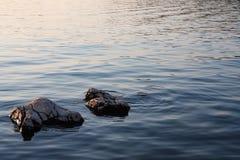 stenig kustsolnedgång Royaltyfria Foton
