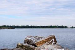 stenig lake Royaltyfri Fotografi