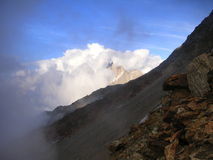 Stenig lutning för högt berg i Frankrike Arkivbild