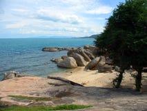 stenig samui för strandko Royaltyfri Bild