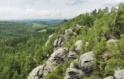 stenig scenisk sommar för berg Fotografering för Bildbyråer