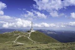 Stenig slinga i berg i sommar Royaltyfri Fotografi