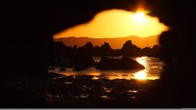 stenig solnedgång Arkivbilder