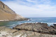 stenig strand Arkivfoton