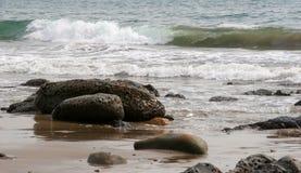 stenig strand royaltyfri fotografi