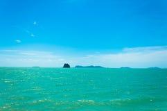Stenig tropisk ö nära Koh Samui Fotografering för Bildbyråer