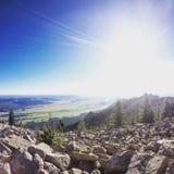 steniga berg Arkivfoton