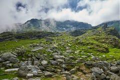 Steniga berg av Rumänien Arkivbilder