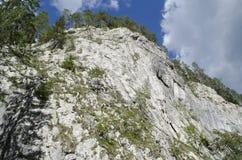 Steniga berg - Bicaz - Rumänien royaltyfria foton