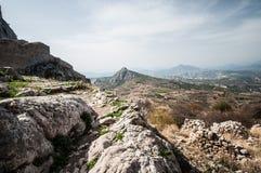 Steniga kullar i Sydeuropa Arkivfoton