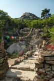 Steniga moment till en tempel på den Bukhansan nationalparken royaltyfria foton