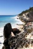stenigt tropiskt för kustlinje arkivfoto