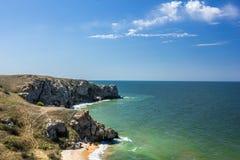 Stenklippor på kusten Royaltyfria Foton