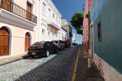 Stenlagd gata av gamla San Juan, Puerto Rico royaltyfria bilder