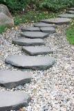 stenlagd trädgårds- bana Royaltyfri Fotografi