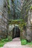 Stenport Nationalparken av Adrspach-Teplice vaggar Arkivfoto