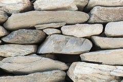Stenstaketet av fasta stycken av stenen Royaltyfria Foton