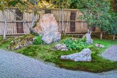 Stenträdgård av den Nanzen-ji templet i Kyoto Fotografering för Bildbyråer