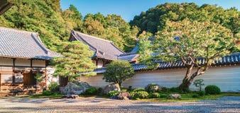 Stenträdgård av den Nanzen-ji templet i Kyoto Royaltyfria Foton