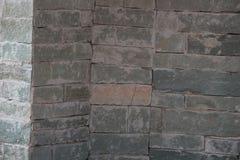 Stenväggen texturerar bakgrund arkivbild
