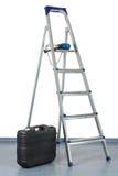 Step-ladder y una caja de herramientas fotos de archivo libres de regalías