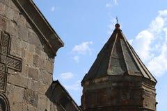 Stepantsminda教堂钟塔在乔治亚 免版税图库摄影