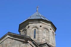Stepantsminda gammal kristen kyrka i Georgia fotografering för bildbyråer