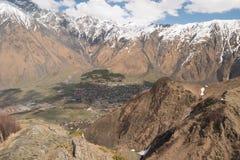 Stepantsminda wioska w górach, Gruzja Zdjęcie Royalty Free