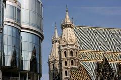 Stephansdom und Haas Haus Stockbild