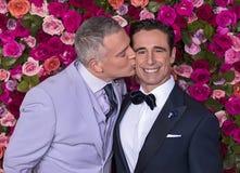Stephen Bienskie en Christopher Gattelli bij 2018 Tony Awards stock fotografie