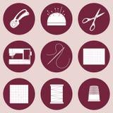 Steppdecken- und Patchworkikonen, Werkzeuge und Versorgungen für das Nähen, Applikation, Textilkünste und Handwerk Flache Designv Stockfoto