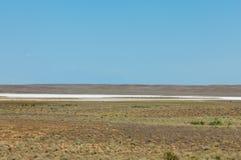 steppe Humidité déboisée et pauvre et secteur généralement plat avec le gra photographie stock libre de droits