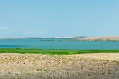 steppe Humidité déboisée et pauvre et secteur généralement plat avec le gra image libre de droits