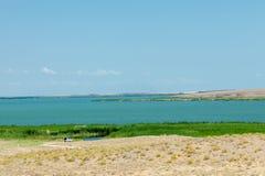 steppe Humidité déboisée et pauvre et secteur généralement plat avec le gra images stock