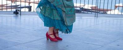 Steppgrupp - röd sko Fotografering för Bildbyråer