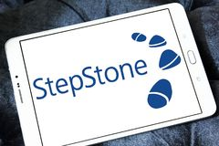 Stepstone-on-line-Einstellungs-Firmenlogo Lizenzfreies Stockfoto