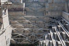Stepwell i Bundi, Indien royaltyfri foto