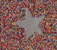 Ster gestalte gegeven ruimte op kleurrijke achtergrond Royalty-vrije Stock Afbeeldingen