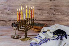 Ster van David Hanukkah menorah stock foto