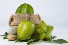 Sterfruit met groen blad Stock Fotografie