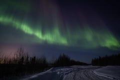 Sterke veelkleurige vertoning van noordelijke lichten stock fotografie