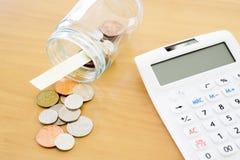 Sterling Finance - moneda británica de la imagen común, calculadora, Co Imágenes de archivo libres de regalías