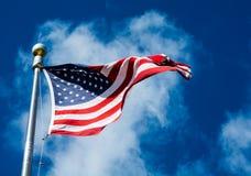 Stern Spangled Fahne und eine Wolke lizenzfreies stockbild