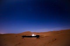 Sterne nachts über den Dünen, Marokko Lizenzfreie Stockbilder
