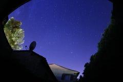 Sternenklarer nächtlicher Himmel Stockbilder