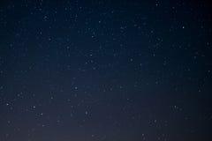 Sternhimmel nachts, Raumhintergrund lizenzfreies stockbild