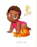 Sternzeichen-Löwe Horoskop-Zeichen-Löwe Afrikaner Americam-Kind genießt, ihren Leo Toy zu spielen Lizenzfreie Stockbilder