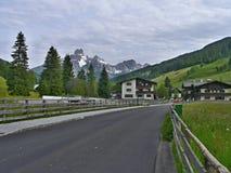 Österreichische Alpe-Ansicht des Bischofsmutze Lizenzfreie Stockfotos